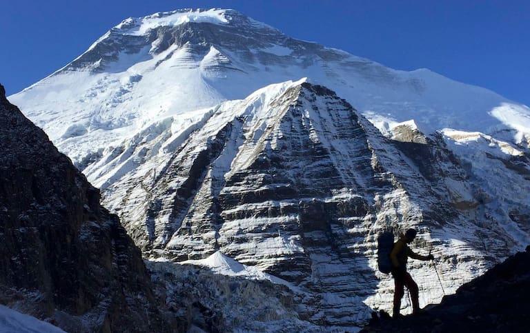 """Die """"kleine Eigerwand"""" nahe dem Dhaulagiri-Basecamp auf dem Chonbardan-Gletscher"""