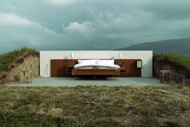 """Das """"Null Stern Hotel"""" auf dem Gipfel Göbsi (1.200 m)"""