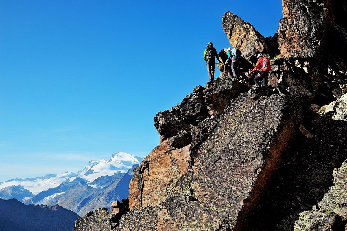 Klettersteig Jegihorn : Der jägihorn klettersteig im saastal bergwelten