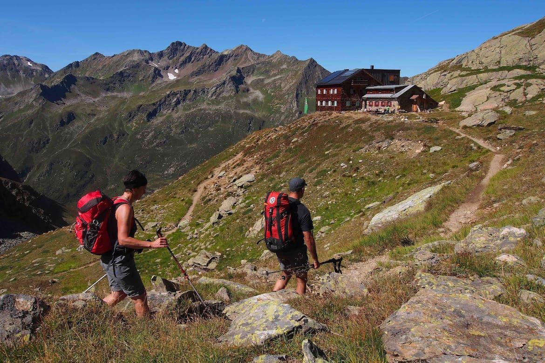 Auf dem Paznauner Höhenweg geht es in neun Etappen durch die Berge.