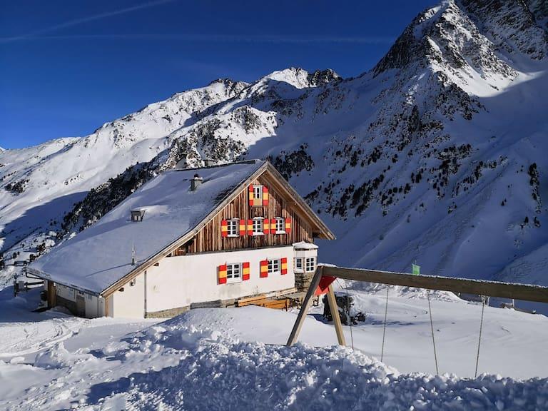 Die Potsdamer Hütte in den Stubaier Alpen