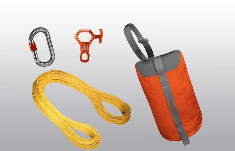 Das Mammut Rappel Kit mit Seil, Absicherungsgerät und Karabiner.