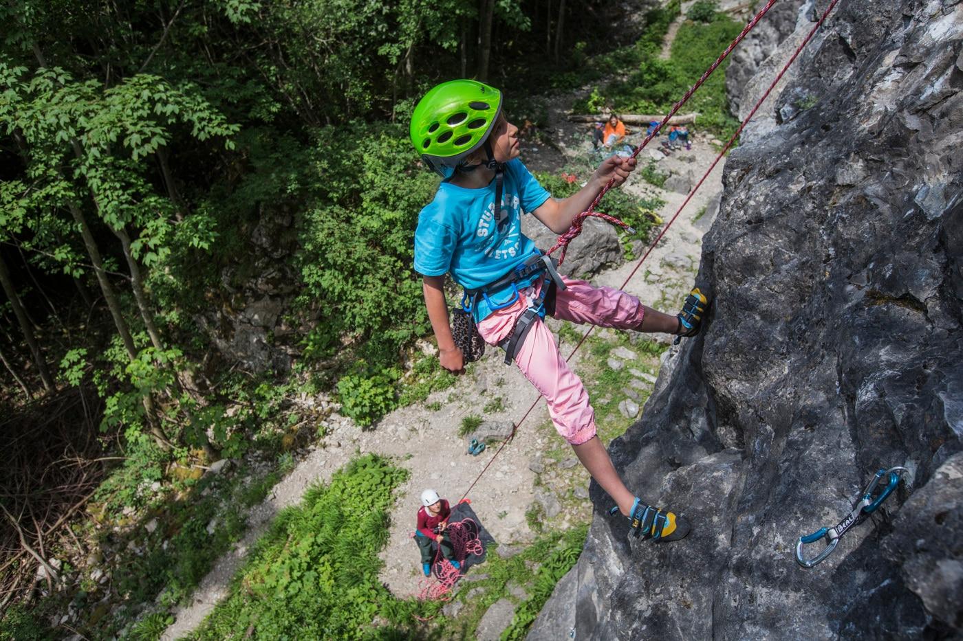 Kletterausrüstung In Der Nähe : Klettern mit kindern die besten tipps bergwelten