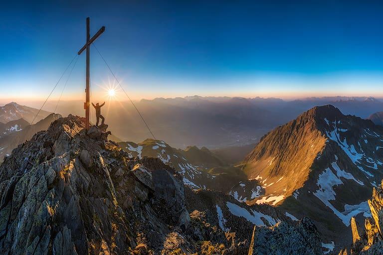 Freude über Weihnachts-Wanderwetter: Am Riezer Grieskogel, Tirol