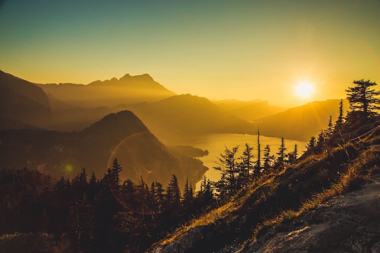 Sonnenuntergang mit Blick auf den Attersee