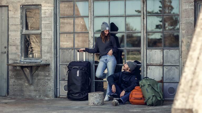 Eine große wetterfeste Reisetasche mit Rädern für längere Reisen und Abenteuerurlaub.