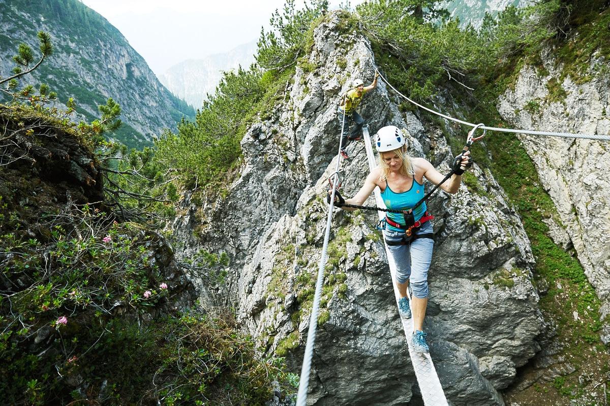 Klettersteig Johann Topo : Check: der klettersteig u201everborgene weltu201c c d bergwelten