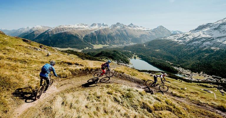 Biken im Engadin: Auf den Trails kommt man hoch hinaus und in viel Flow-Genuss.