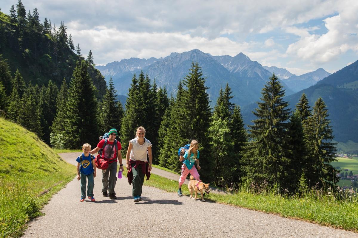 Kletterausrüstung Ausleihen Salzburg : Klettern mit kindern die richtige ausrüstung bergwelten