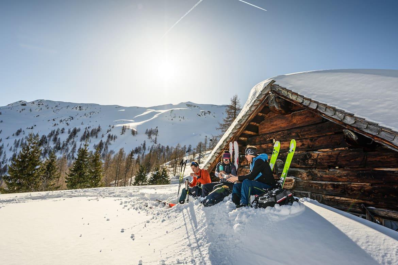 Viele Hütten sind im Winter geschlossen, die verfügbaren Winterräume nur als Notunterkunft gedacht.
