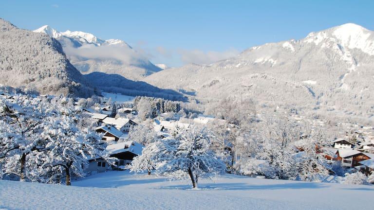 Winterlandschaft bei Unterwössen im oberbayerischen Landkreis Traunstein