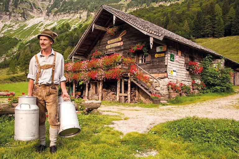 Mayerlehenhütte: Bauer mit Milchkannen