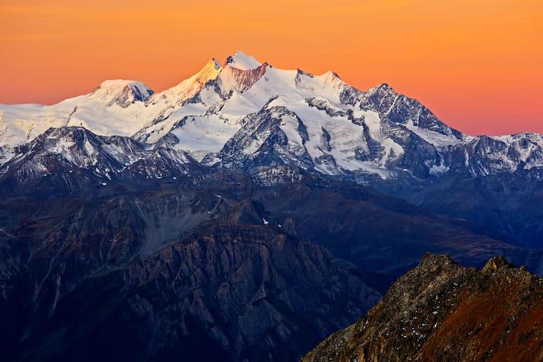 Alphubel: Blick in die Allalingruppe in den Walliser Alpen