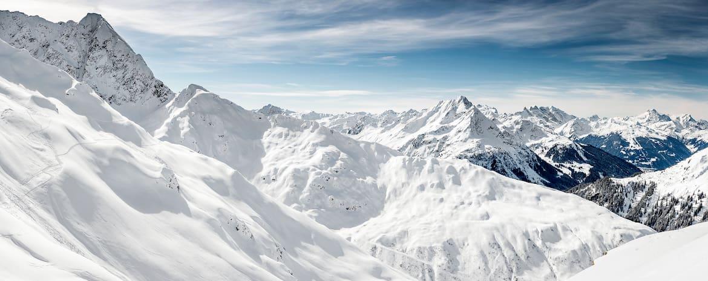 Winterwunderland: Blick vom Sonnenkopf in Richtung Montafon