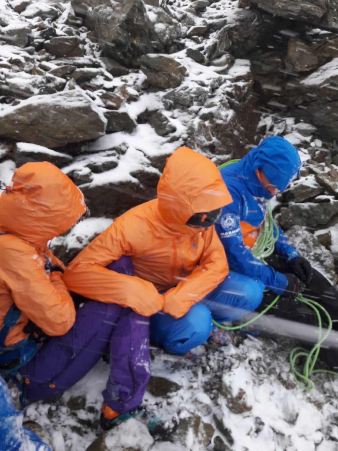 Ausharren im Schneesturm