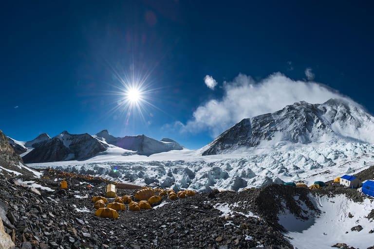Das Basislager am Fuße des höchsten Bergs der Welt