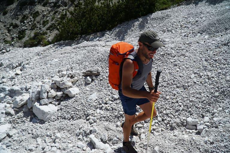 Bergsteigen bei Hitze: Kopfbedeckung