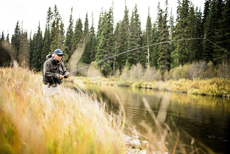 Peter Schröcksnadel beim Fliegenfischen