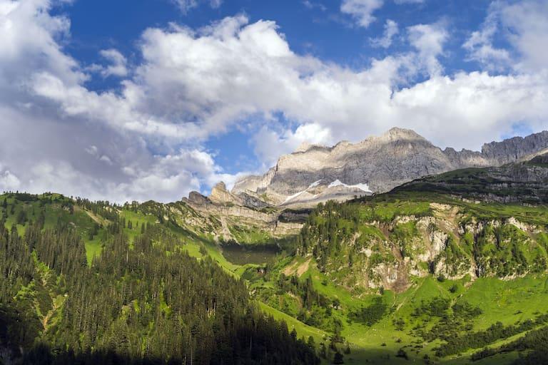 Die Lamsenspitze im Karwendel nach einem Gewitter