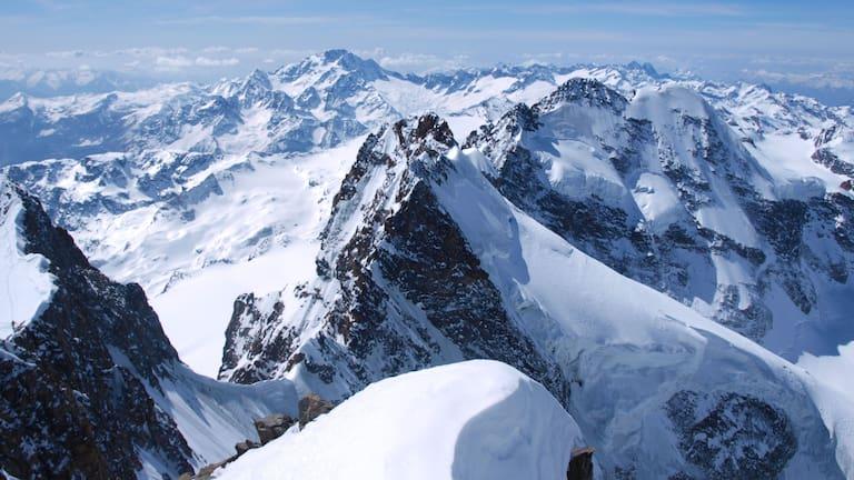 Winterliche Bernina-Gruppe im Kanton Graubünden