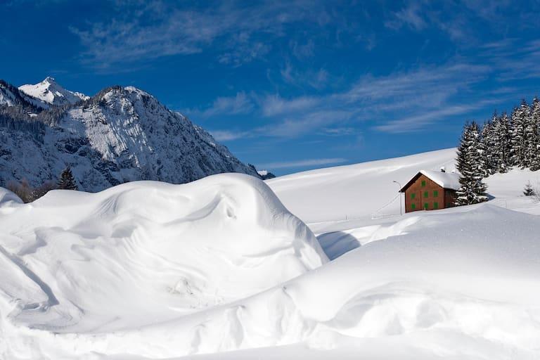Winterwandern am Hochplateau des Sonnenkopfs in Vorarlberg