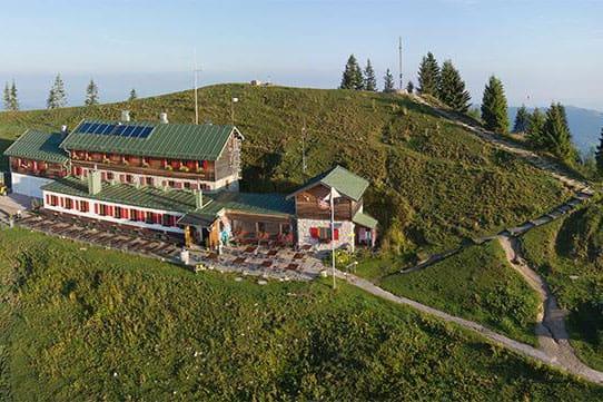 Brauneck-Gipfelhaus in Bayern