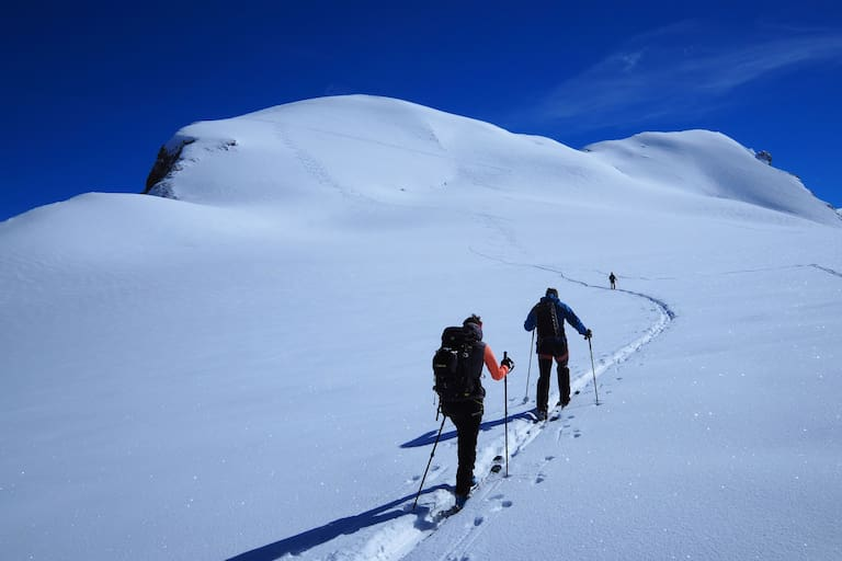 Skitour aufs Breithorn in den Walliser Alpen in der Schweiz