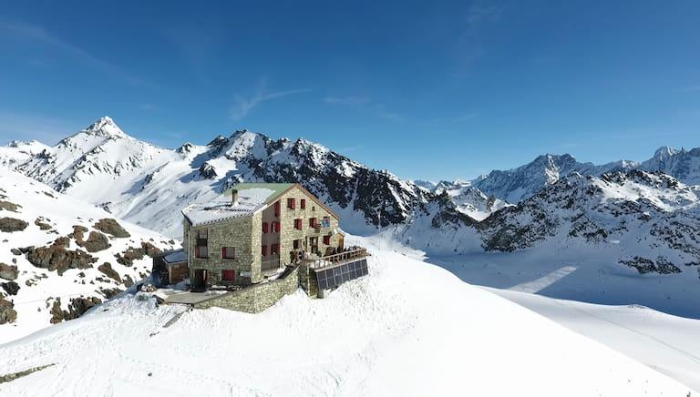 Cabane des Dix,2.928 m
