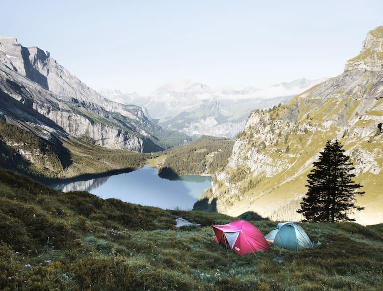 Einfach eine Nacht in den Bergen unter freiem Himmel zu verbringen ist nicht überall erlaubt