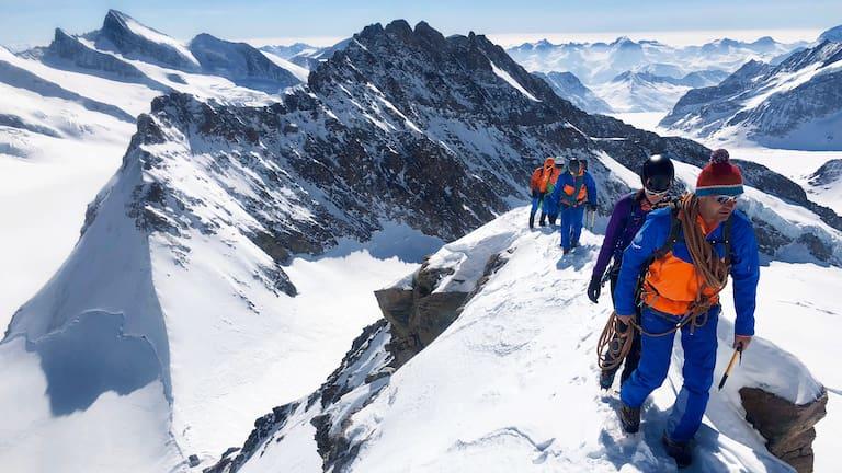 Eiger Extreme: Winterbesteigung des Mönchs in der Jungfrau-Region in den Berner Alpen