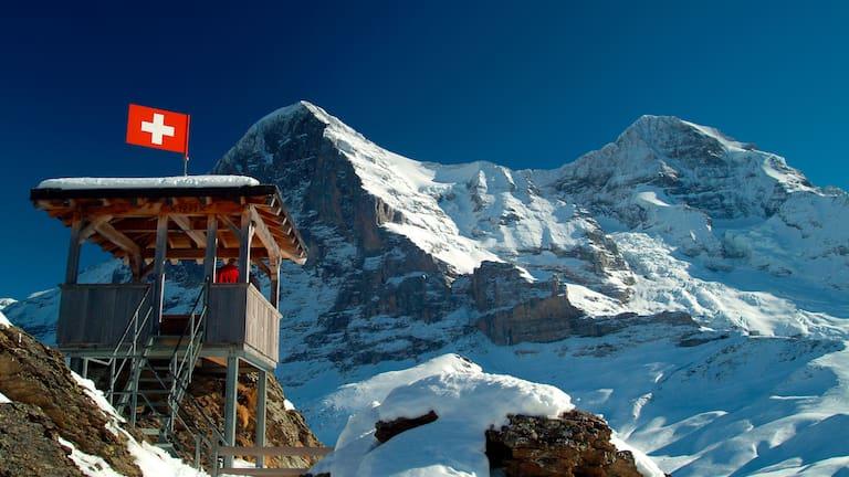 Berner Alpen: Blick auf den Eiger von der Kleinen Scheidegg