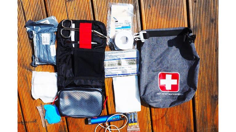 Erste Hilfe-Set: Standardausrüstung am Berg