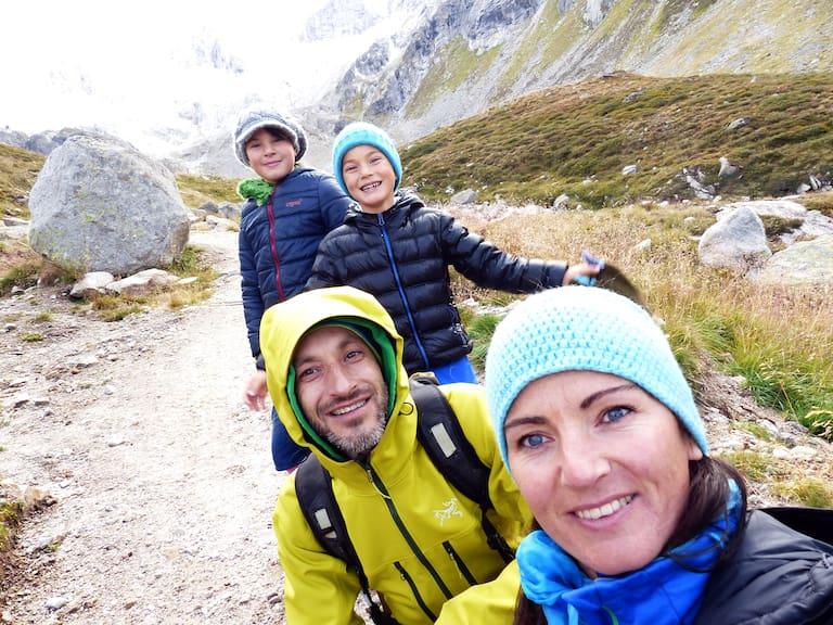 Julia Stauder mit Familie in den Zillertaler Alpen