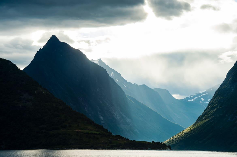 Der mächtige Slogen im Hjørundfjord