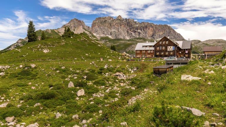 Freiburger Hütte im Lechquellengebirge in Vorarlberg