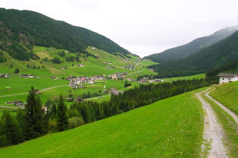 Wandern im Tiroler Gailtal: Auf den Dorfberg, den Kartitscher Hausberg