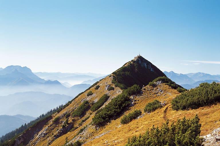 Am Gipfel des Gamssteins in den Nördlichen Kalkalpen in Niederösterreich