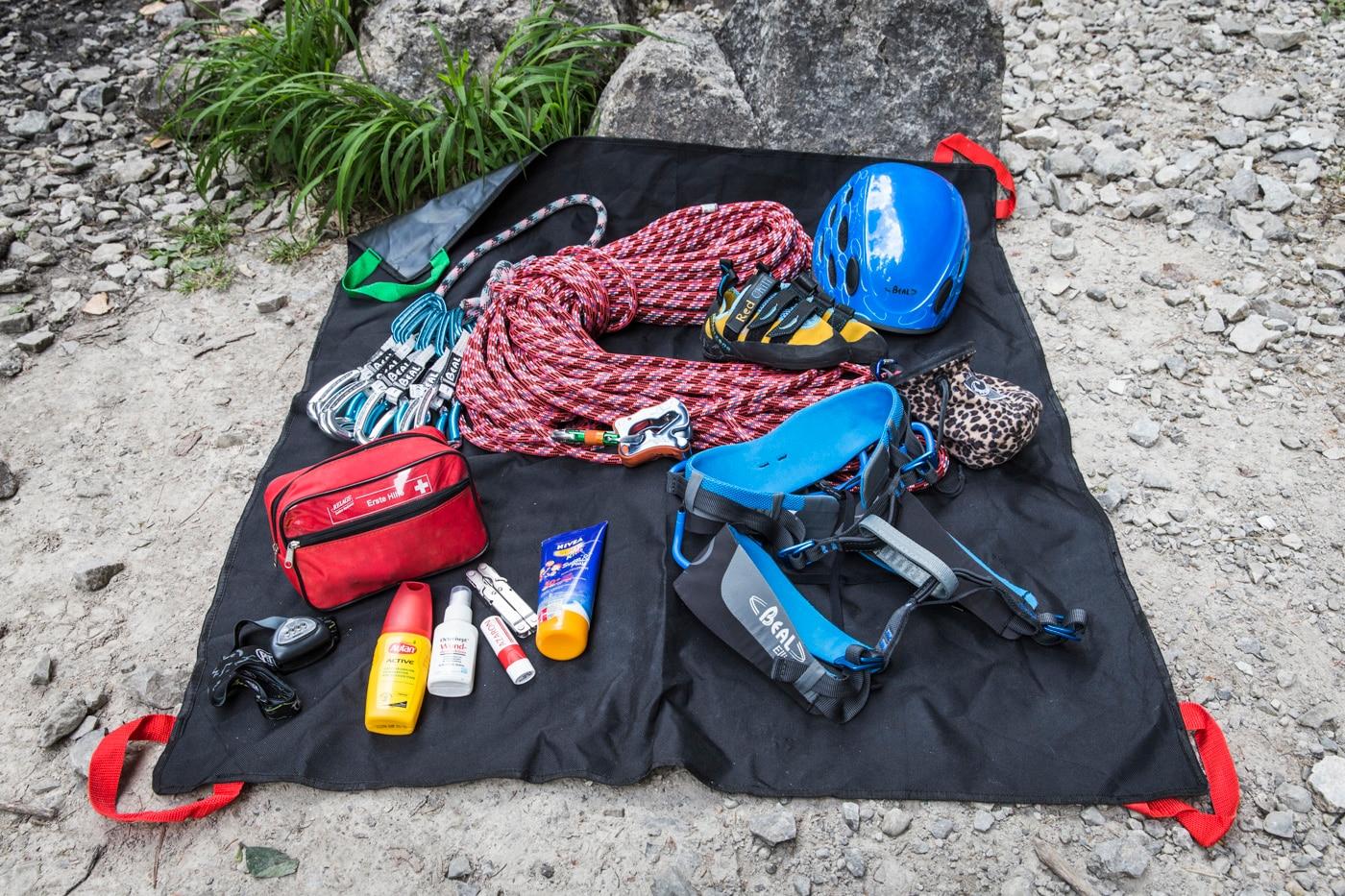 Kletterausrüstung Set Kinder : Klettern mit kindern die richtige ausrüstung bergwelten
