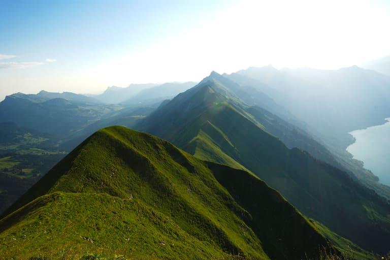 Gratwandern in den Emmentaler Alpen: 5-Gipfel-Tour hoch über Interlaken im Kanton Bern