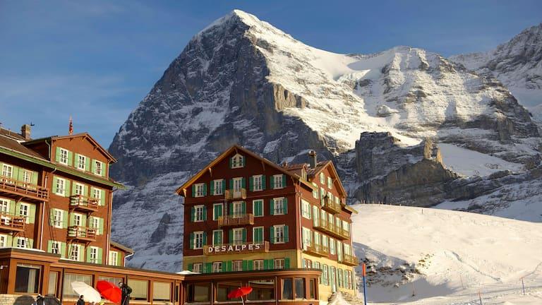 Blick von der Kleinen Scheidegg auf den Eiger in den Berner Alpen