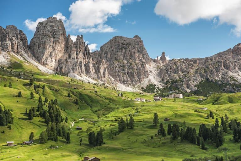 Alpenüberquerung: Grödner Joch in Südtirol
