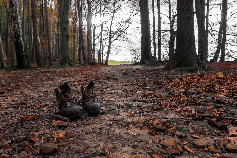 Barfußlaufen verbindet mit der Natur.