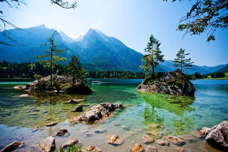 Ramsauer Malerweg: Am Hintersee bei Berchtesgaden in Bayern