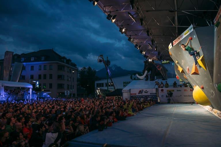 Bouldern vor tausendenBouldern vor tausenden Fans in der Innsbrucker Innenstadt - wer träumt nicht davon?