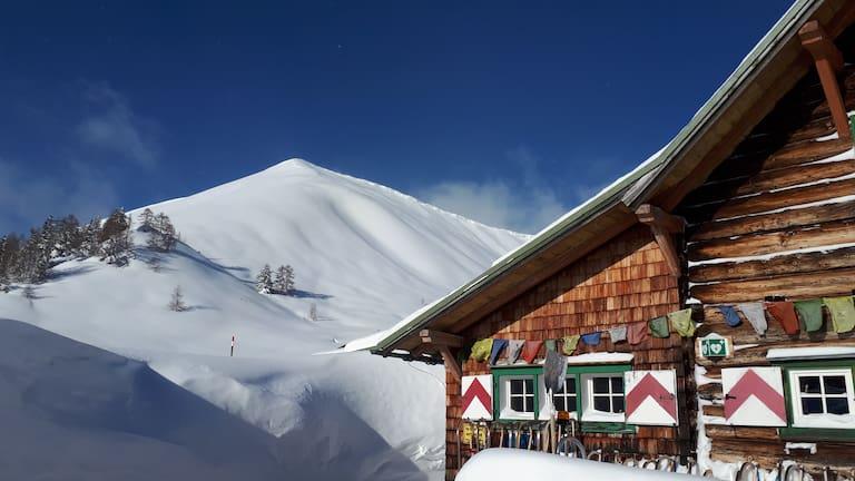 Der perfekte Ausgangspunkt für eine Wochenede voller Pulverschnee, die Südwiener Hütte