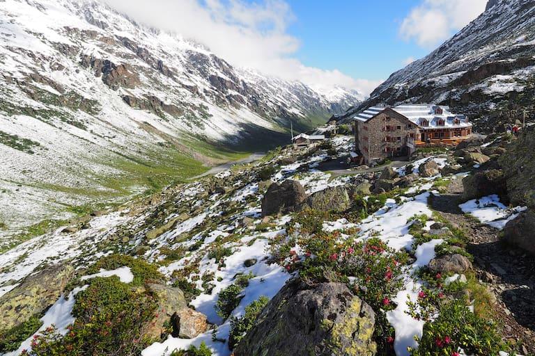Tirol: Jamtalhütte in der Silvretta