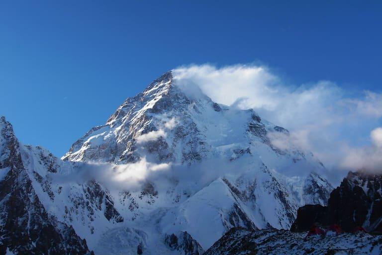 Der K2 im Karakorum an der Grenze von China und Pakistan