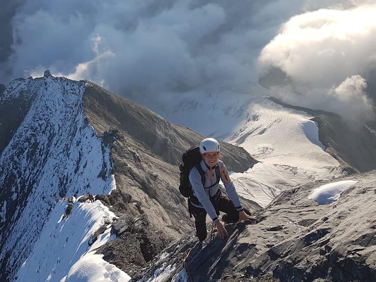 Die junge Hüttenwirtin aus Bern auf ihrem Weg zum Gipfel des Eiger