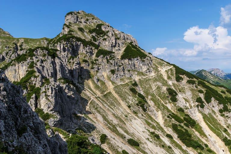 Hangquerung unterhalb der Kramerspitze in Garmisch-Partenkirchen in Bayern