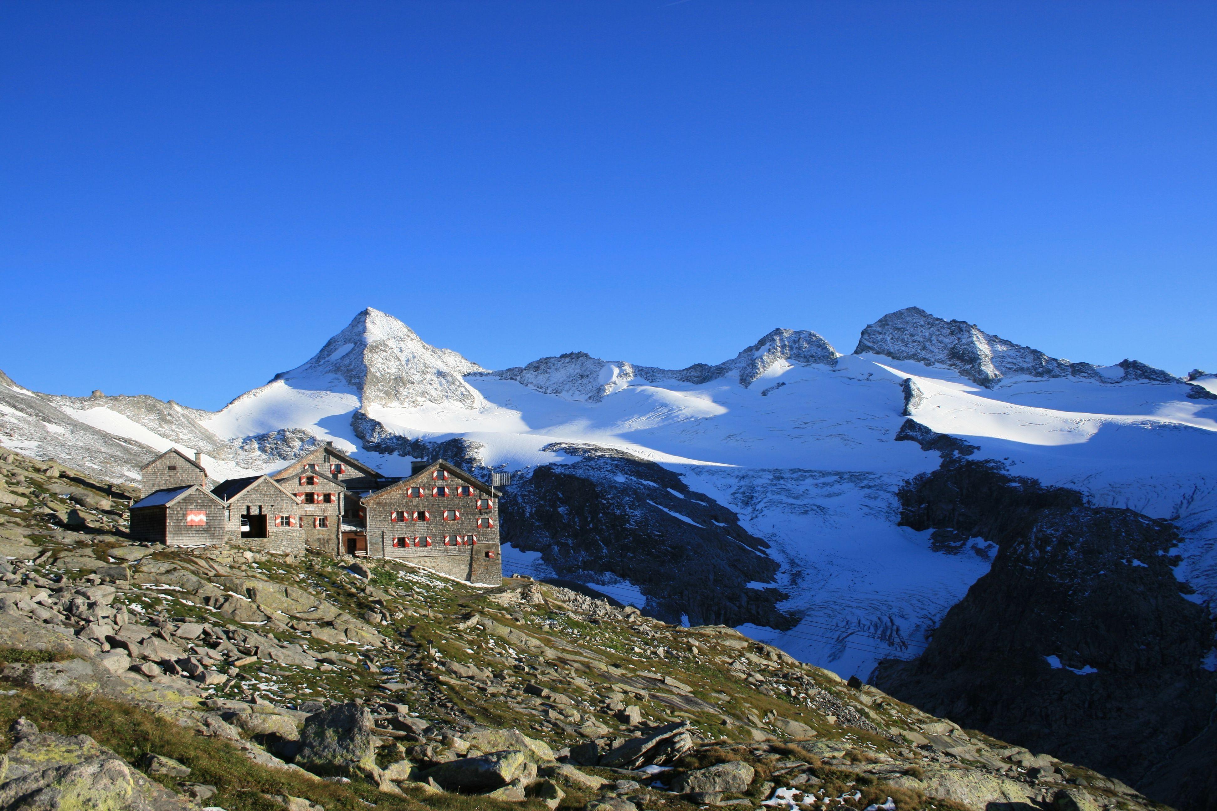 die h246chsten berge und ihre h252tten bergwelten